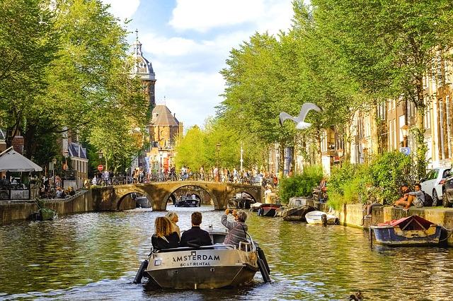 canal-2681853_640.jpg