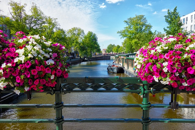 canal-2817751_640.jpg