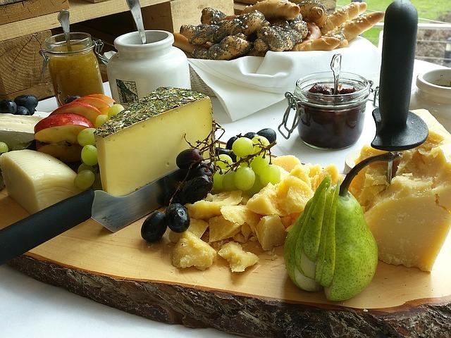 cheese-1371196_640.jpg