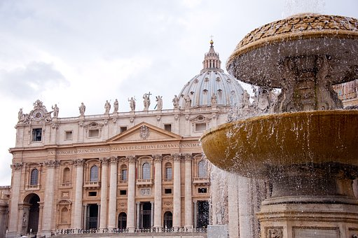 st-peters-basilica-2875093_340.jpg