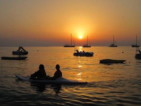 sunset-3363888_340.jpg