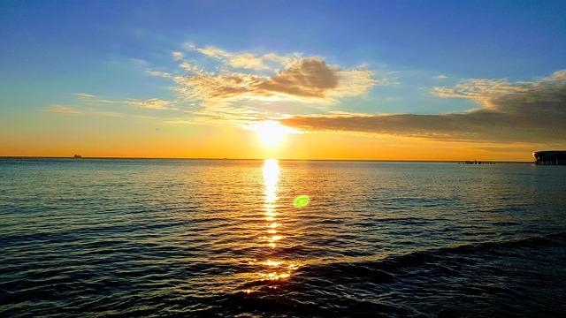 sunset-5306985_640.jpg
