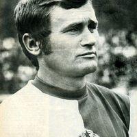Közel háromszáz gól, egy söröző - 78 éves lenne Tichy Lajos