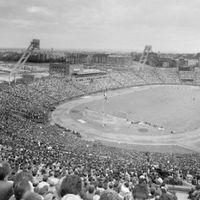 Egy a nép stadionja, kettő lesz belőle?
