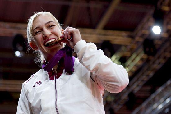 CsUernoviczki-Éva-bronzérmes.jpg