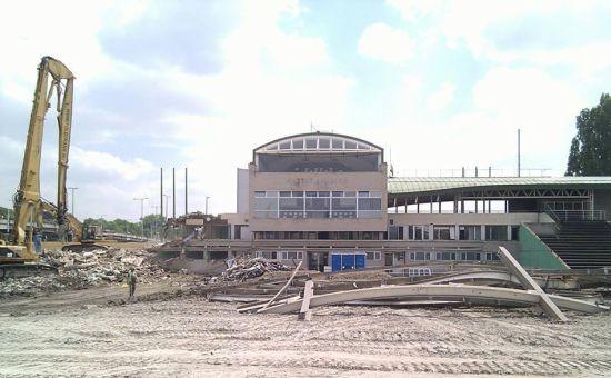 jol-halad-az-uj-albert-stadion-epitese55.jpg