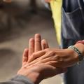 Érdemes szívességet adni és kérni, jót tesz az üzletnek