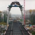 Már látszik a különleges ekhósszekér alakú új Tisza-híd alakja – videó az építkezésről