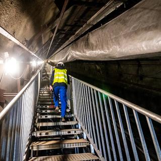 A Ferenciek terén már minden mozgólépcsőt elbontottak - így halad a metrófelújítás a föld alatt