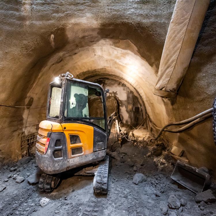 Új alagút érte el az M3-as metró Deák téri állomását - videó