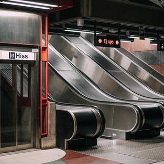 A Belváros következő Deák tere lehet a majdani M5-ös metróval a Kálvin tér, ferdelift vezet le az állomásba