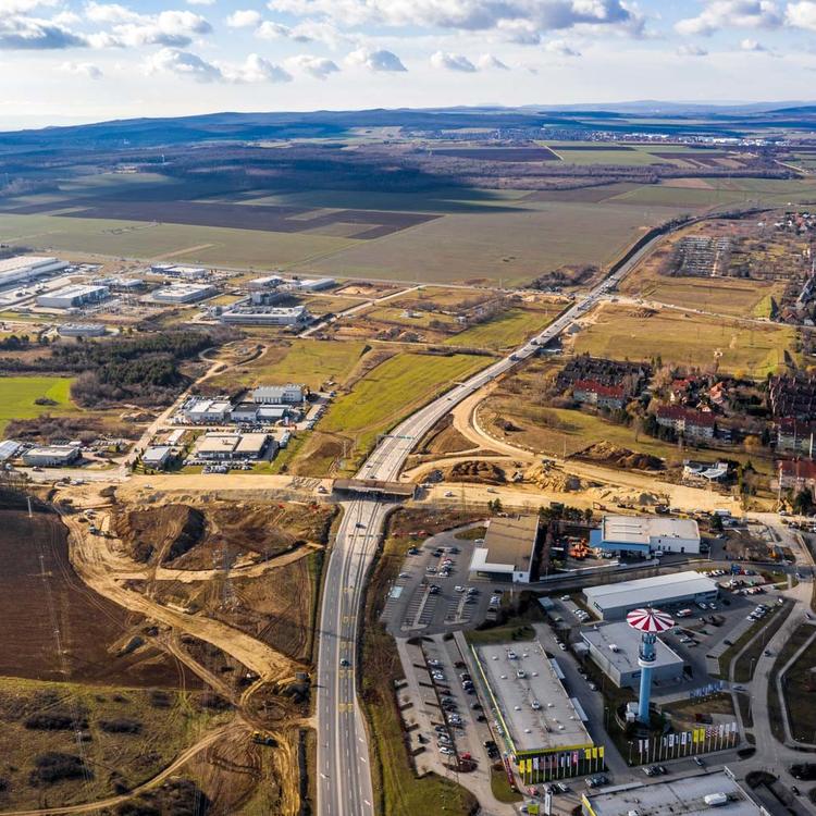 Hídépítés, turbókörforgalom: a veszprémi elkerülőn hasíthatnak majd a Balaton felé tartó autók