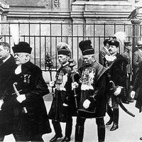 """""""…az erkölcs és a tudás hatalmával meg akarjuk hatványozni a magyar munka termékenységét…"""" (a)vagy Klebelsberg Kuno gróf szerint a népbarát politika 1."""