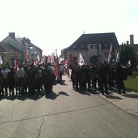 Kődobálás Devecserben a Jobbik tüntetésen: