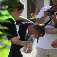 Hazudott a Jobbik képviselője, saját tüntetőtársai dobták fejbe Devecseren!