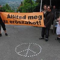 Tüntetés az izraeli nagykövetség előtt, képekben