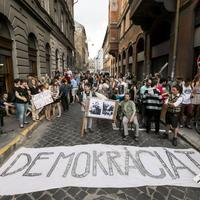 Demokrácia ténybeli alap nélkül