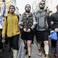 Szoknyás férfiak tüntettek Isztambulban a nőket sújtó erőszak ellen