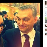 Mi nem posztolnánk ki Orbán Ráhelt, de ezt nem is mi tesszük