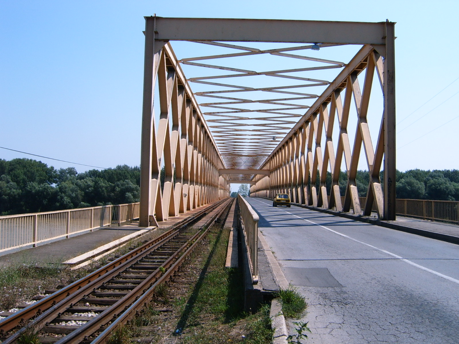 bridge_over_tisza_at_senta.jpg