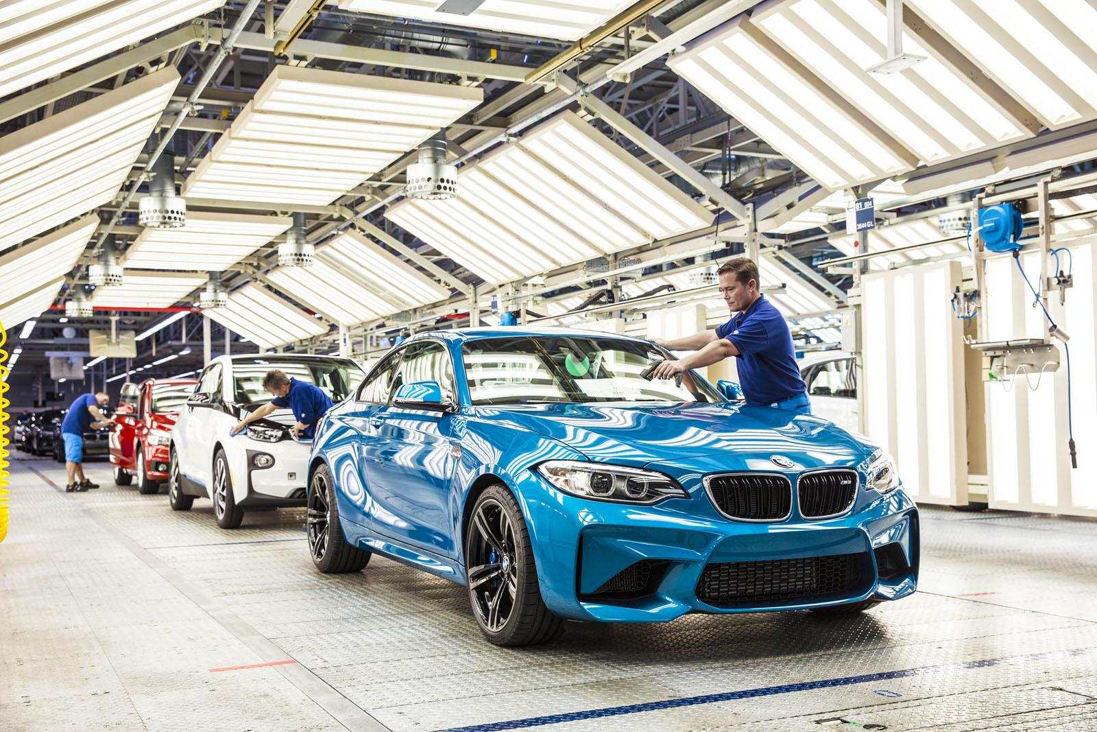 bmw-m2-production1.jpg