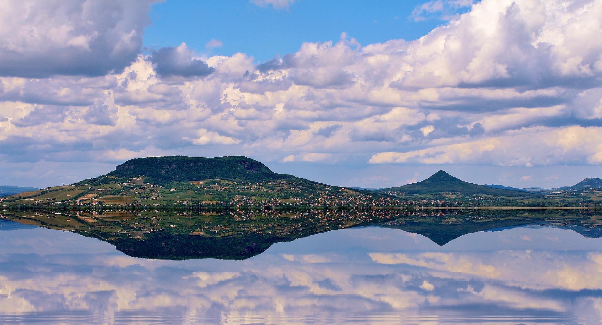 lake-balaton-2133811_1920.jpg