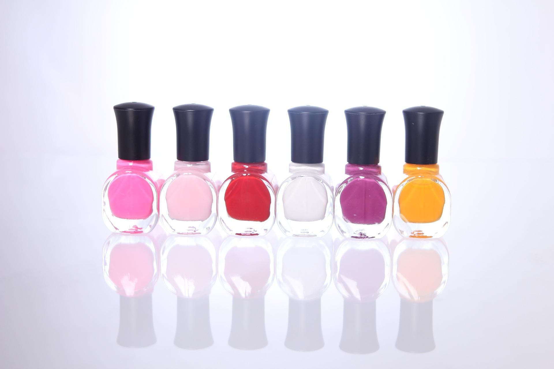 nail-polish-1351933_1920.jpg