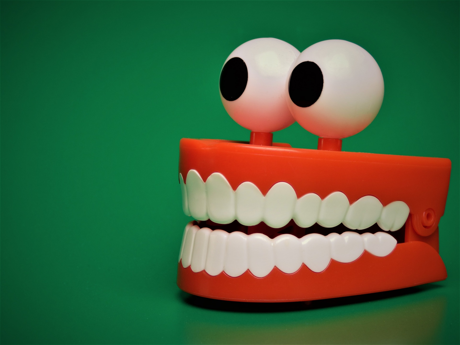 tooth-2013237_1920.jpg