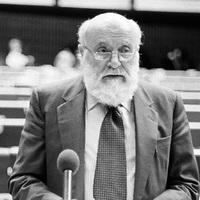 Egy kommunistából lett föderalista útja az internálótábortól az Európai Parlamentig