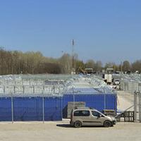 Milliárdokért konténerekbe költöztetik a rabokat?