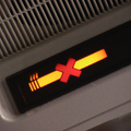 Ne gyújtson rá a repülőn, mert tényleg lecsukhatják