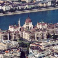 A Fidesznek a saját törvénye sem számít: nehogy már belepofázzunk a jogalkotásba