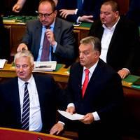 """Megint nekirontott a """"liberális migránspárti"""" uniónak Orbán"""