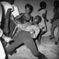 A HÉT FOTÓSA: Malick Sidibé - Válogatás egy afrikai fotográfus a bamakói éjszakai élet alakjait megörökítő felvételeiből