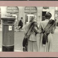 Inge Morath: Mayfair, London (1953)