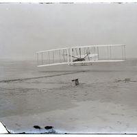 A Wright fivérek fotói a motoros repülés kezdeteiről