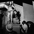 Vándorsztriptíz - Válogatás Susan Meiselas Carnival Strippers című sorozatának képeiből (18+)