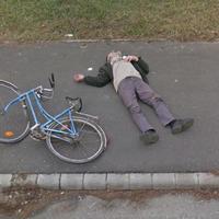 Válogatás a Google Street View Magyarországon készült furcsa, szomorú és meghökkentő képeiből
