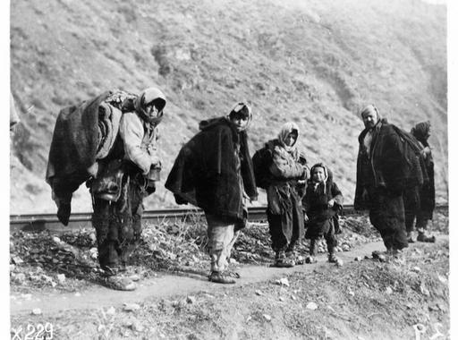 Lewis Hine fotói az első világháború utáni Délkelet-Európából