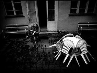 Útközben - 12 fotó Kovalovszky Dániel négy sorozatából