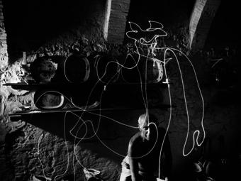 Gjon Mili: Picasso fényrajzai (1949)