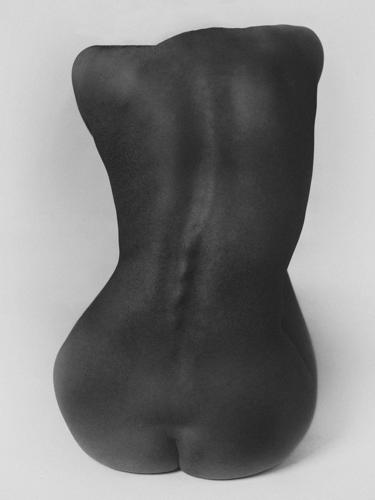 Válogatás a Photo London idei kiállításainak képeiből (18+)