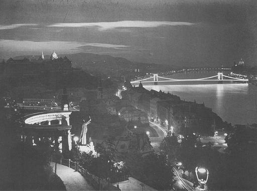 A fény szerelmese - Dulovits Jenő 15 fotója Budapestről (1903-1958)