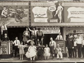 Edward J. Kelty felvételei a világ egyik legbizarrabb cirkuszának mindennapjairól