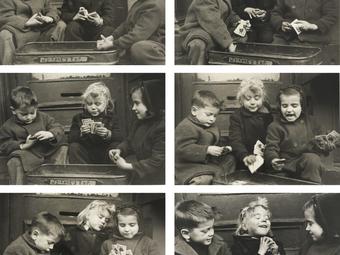Kép-kockák #19 - Ruth Orkin: Kártyázó gyerekek (1947)