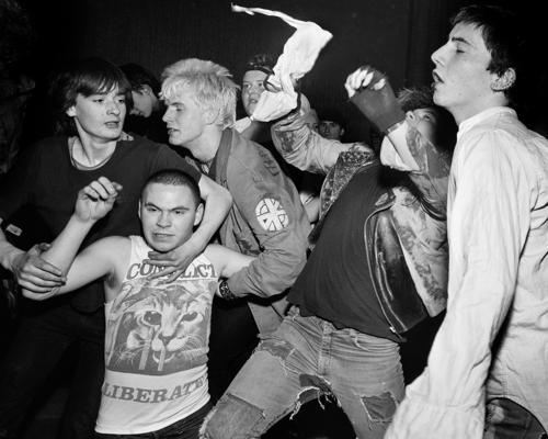A salgótarjáni E.T., angol punkok a 80-as évekből és egy sztárfotós képei a magyar színésznőről
