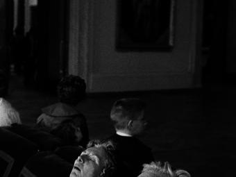 Szunyókálás a múzeumban (3 fotó)