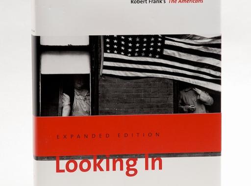 Adventi könyvajánló - Looking in: Robert Frank's The Americans