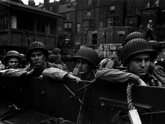 D-Day - Robert Capa fotói a Normandiai partraszállásról (1944. június)