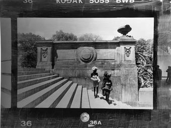 New York és Budapest - Vékás Magdolna kő- és fémlapokra készített különleges képei